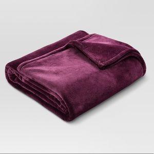 Threshold Plum Purple Queen Full Plush Blanket Big